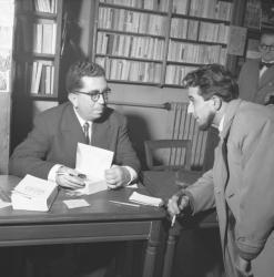 """Séance de dédicace des """"Eaux mêlées"""" de Roger Ikor à la Librairie Laproue (Prix Goncourt 1955)"""