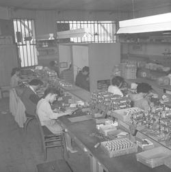 Atelier de réparation des postes de télévision Titan