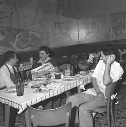 """[Restaurant """"La Tassée"""", 20 rue de la Charité, à Lyon]"""