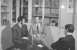 [Le professeur Christiaan Barnard à Lyon]