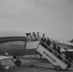 Avions commerciaux à l'arrivée de Bron
