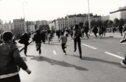 Manifestation étudiante sur le pont de l'Université