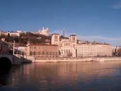 La cathédrale Saint-Jean et Fourvière vues depuis le quai des Célestins