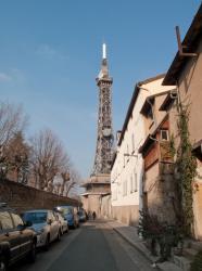 Fourvière, la Tour métallique vue depuis la montée Nicolas de lange