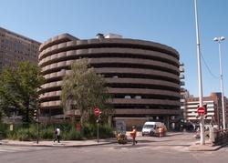 Rue Garibaldi et le parking Moncey-Nord
