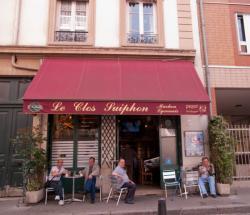 Un café rue du Clos Suiphon