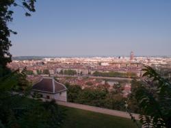 Vue sur Lyon depuis les jardins du Rosaire