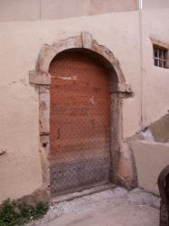 Une porte d'immeuble sur la montée des Chazeaux