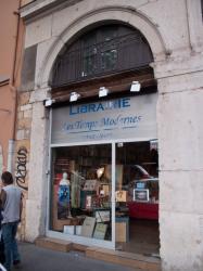 """Librairie """"Les Temps modernes"""", quai de la Pêcherie"""