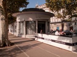 Le Café Bus sur le quai du Général-Sarrail
