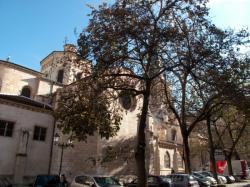 Eglise Saint-Paul, vue depuis la place Gerson