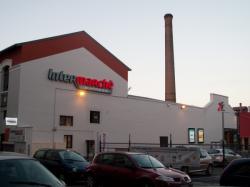 Rue Magenta : une ancienne cheminée d'usine