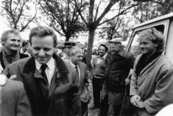 [Foire agricole de Beaucroissant (1988) : visite des élus]