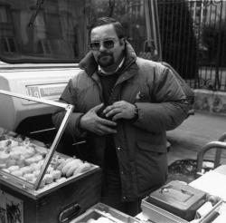 [Un fromager du marché de la Croix-Rousse]