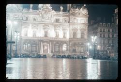 La place des Terreaux et l'Hôtel de ville de nuit