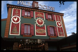 Mur peint restaurant Paul Bocuse