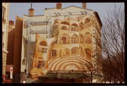 Mur peint représentant la cour des loges