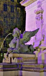 Sphinx, détail de la fontaine, base de la statue d'Ampère, place Ampère