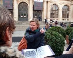 Entrée nord du Palais du Commerce de Lyon.