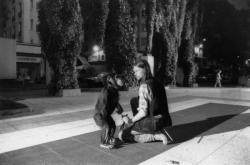 """[Sur le tournage du téléfillm """"Les enfants des terrasses""""]"""