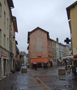 Crémieu (Isère) : café