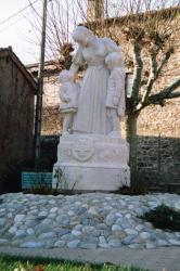 [Monument de la Suisse accueillante à Ecully]