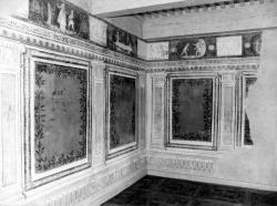 [Les peintures murales de l'hôtel de ville de Grigny]
