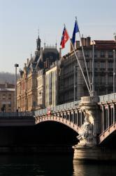 [Le pont Lafayette]