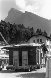 [Déplacement d'un chalet à Samoëns (Haute-Savoie)]