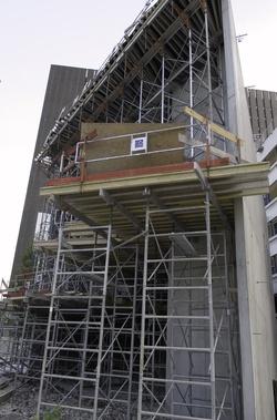 [Construction de la nouvelle porte de la bibliothèque coté Vivier-Merle]