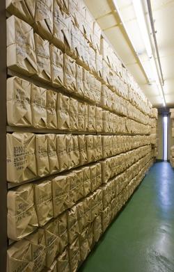 [Documents du dépôt légal stockés au silo]