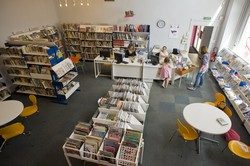 [Salle enfant et son accueil à la bibliothèque du 3e arrondissement]