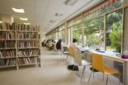 [Espace de travail de la bibliothèque du 4e arrondissement]