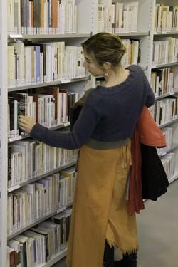 [Rayon de livres adultes de la bibliothèque du 5e arrondissement Point du Jour]