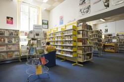 [Salle adulte de la bibliothèque du 6e arrondissement]