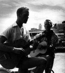 [Deux Guitaristes]