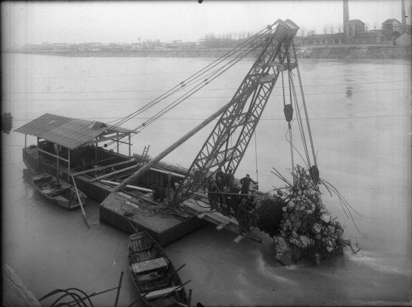 [Reconstruction du pont Pasteur sur le Rhône]