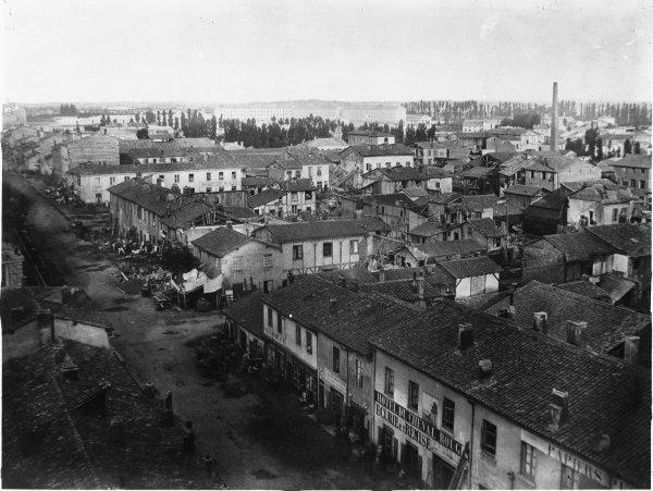 [Inondations de Lyon (1856) : vue des dégâts causés par les eaux, prise depuis le cours Lafayette]
