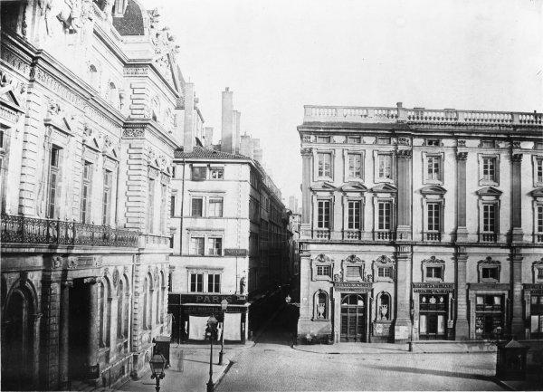 [Grands travaux d'urbanisme du Second Empire : vue avant les travaux d'ouverture de la rue de l'Impératrice et d'élargissement de la rue Laffont]