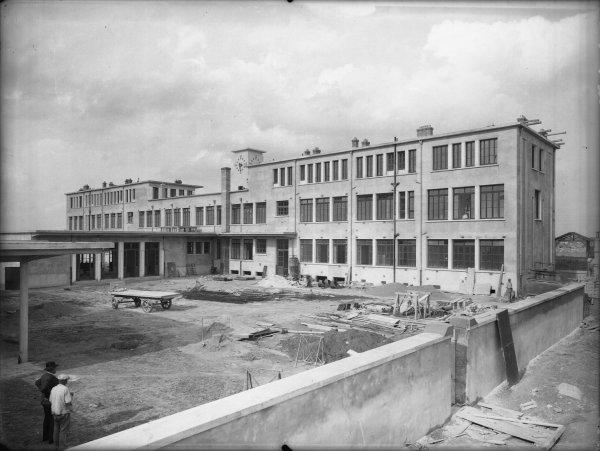 [Groupe scolaire Pasteur : façade postérieure en travaux]