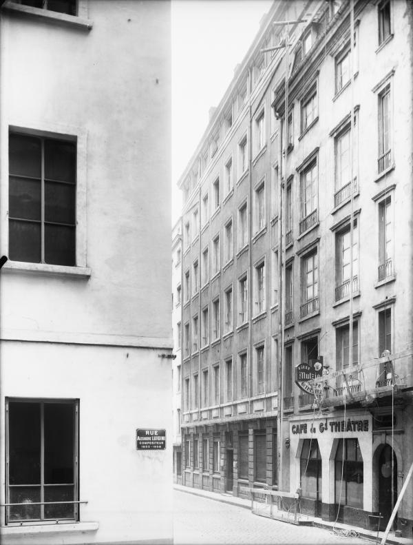 [Café du Grand Théâtre, rue Alexandre Luigini]