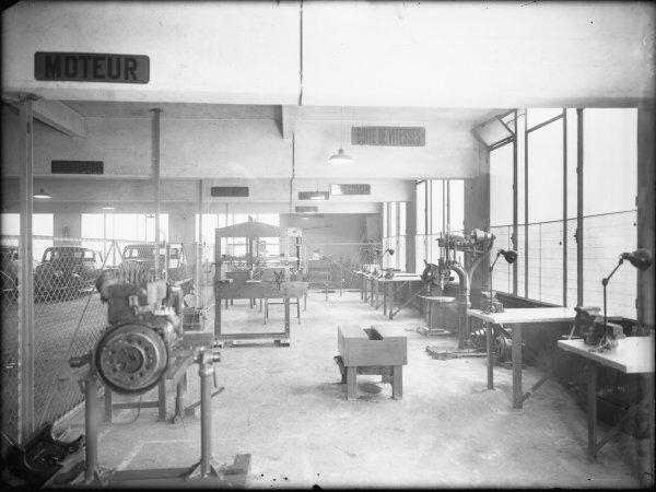 [Atelier des usines Renault]