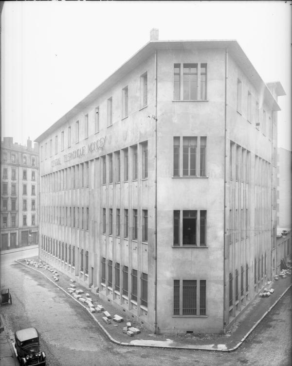 [Central téléphonique Moncey, rue Vaudrey]