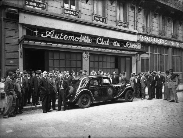 [Automobile-Club du Rhône : François Lecot et sa traction Citroën 11 CV]