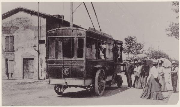 [Le Premier trolleybus pour Charbonnières. Société d'éclairage et de traction de Charbonnières-les-Bains]