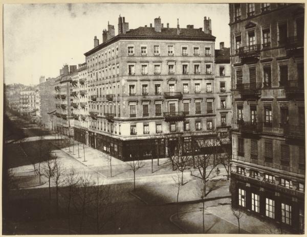[L'Avenue de Noailles, actuellement avenue Maréchal-Foch, vers 1870]