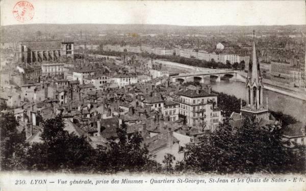 Lyon : Vue générale, prise des Minimes ; Quartiers St Georges ; St Jean et les Quais de Saône.