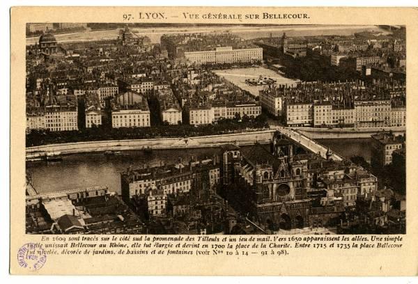 Lyon : Vue Générale sur Bellecour.