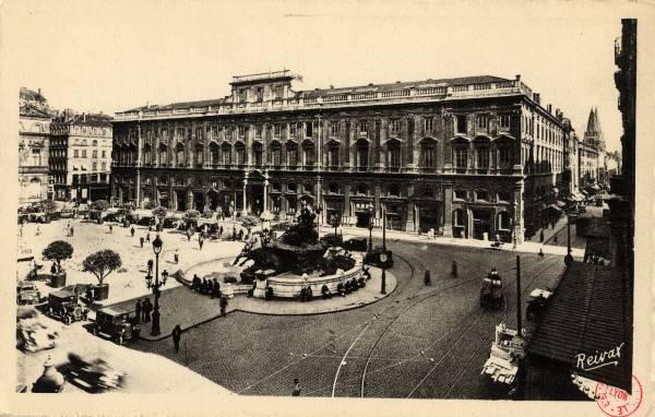 Lyon : Palais Saint Pierre ; Place des Terreaux.