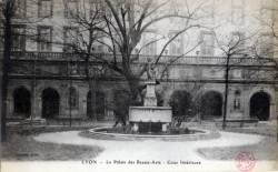 Lyon : Le Palais des Beaux- Arts ; Cour Intérieure.